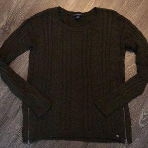 American Eagle Dark Green Sweater